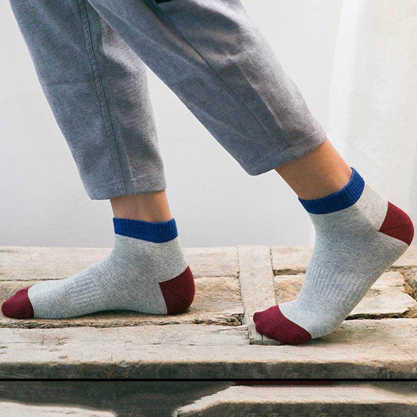 Mens-socks Ladies-Socks Gold Follow Me